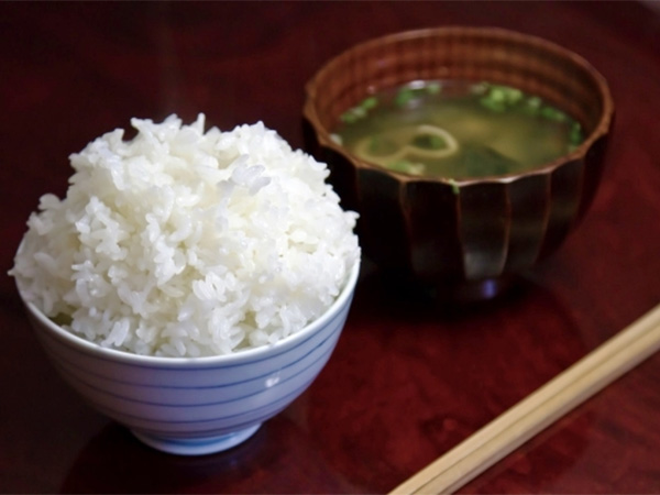 為什麼日本人不吃飯?健康糙米歷史比你想像中的還短!