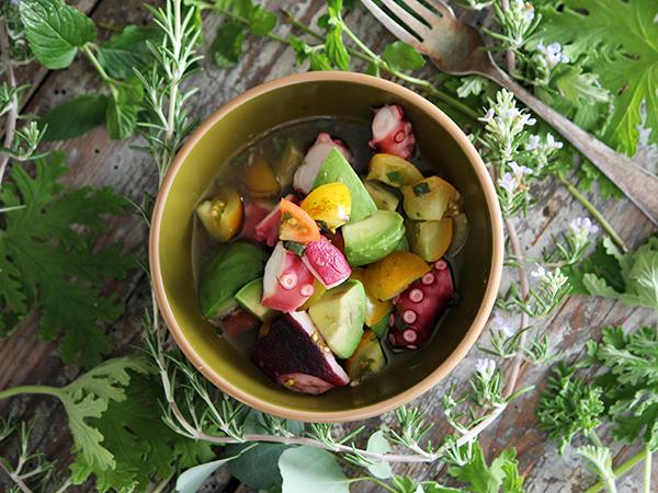 在家就能做泰式料理?只要攪拌一下就好「酸甜口簡式和風酪梨沙拉」食譜