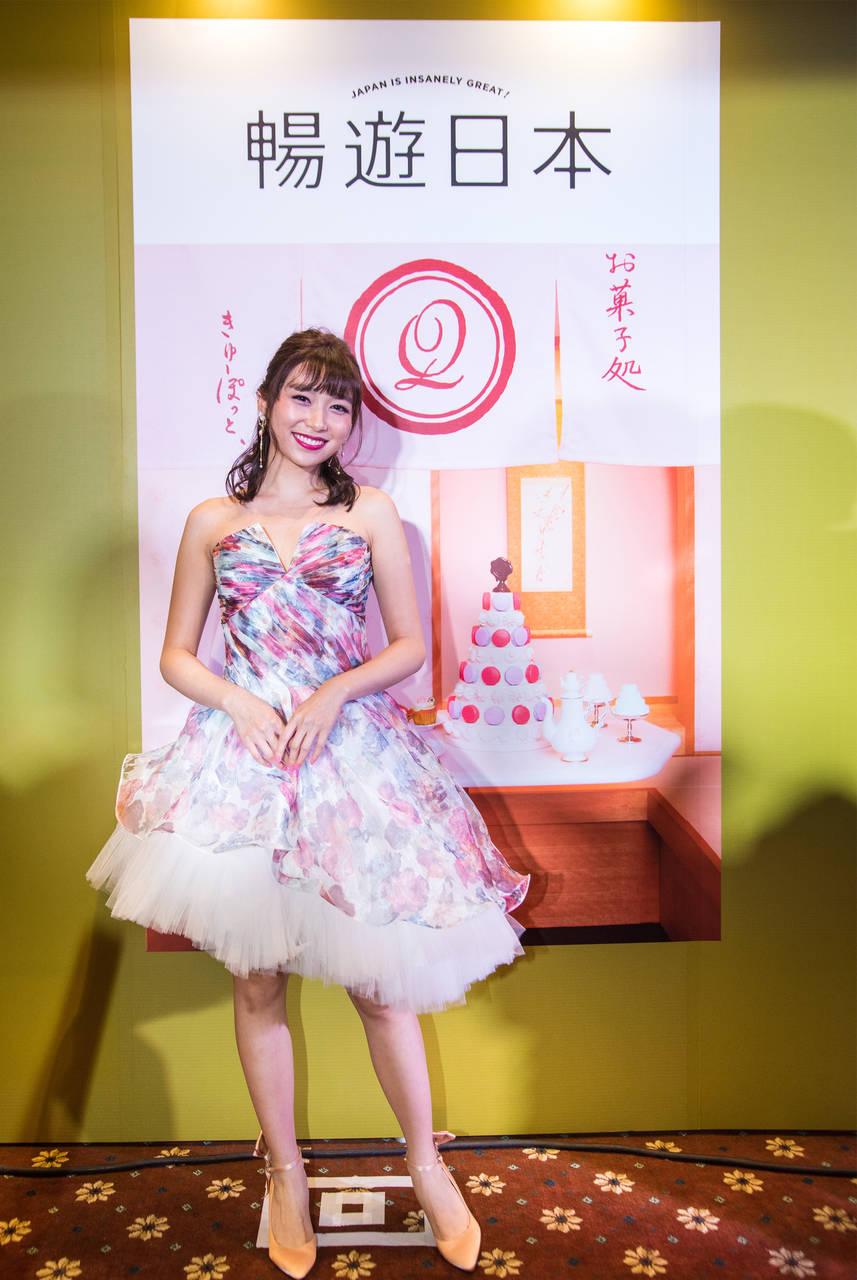 暢遊日本的最新封面女孩Carrie!