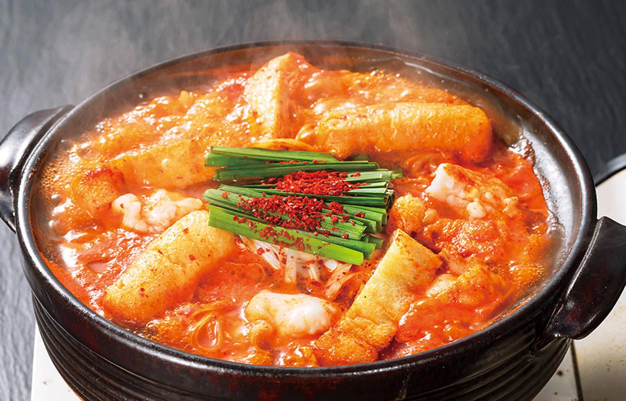 赤味噌鍋 / 1 , 0 6 9 日圓(含稅)