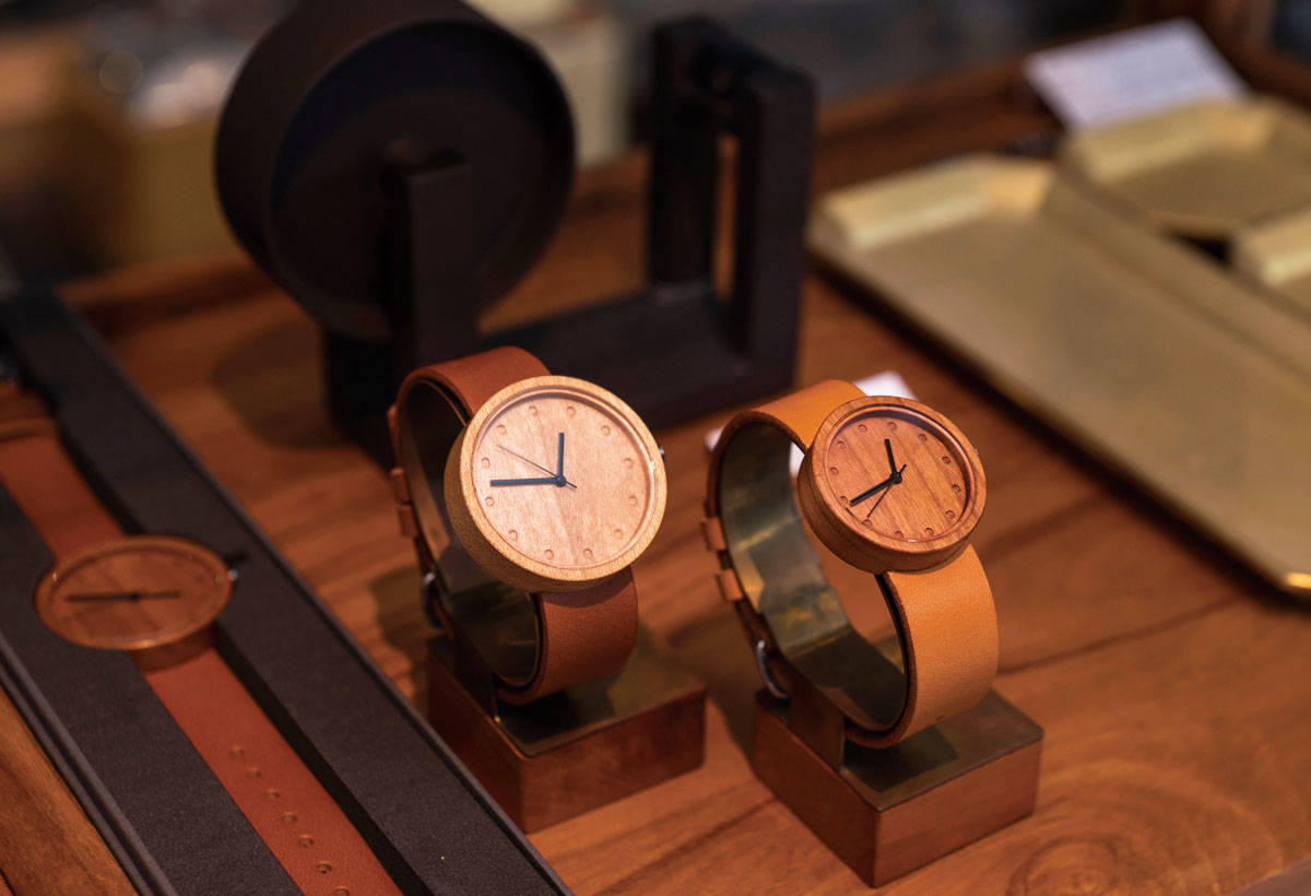 NAKARI WATCH (16,000日圓)木製手錶 非常罕見。
