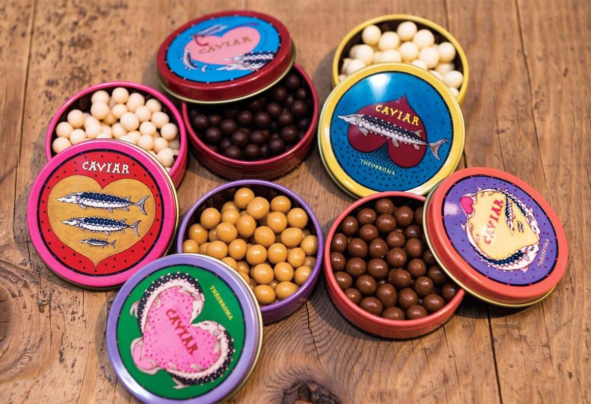粒狀巧克力 (2,900日圓)牛奶和草莓等5種不同口味和包裝。