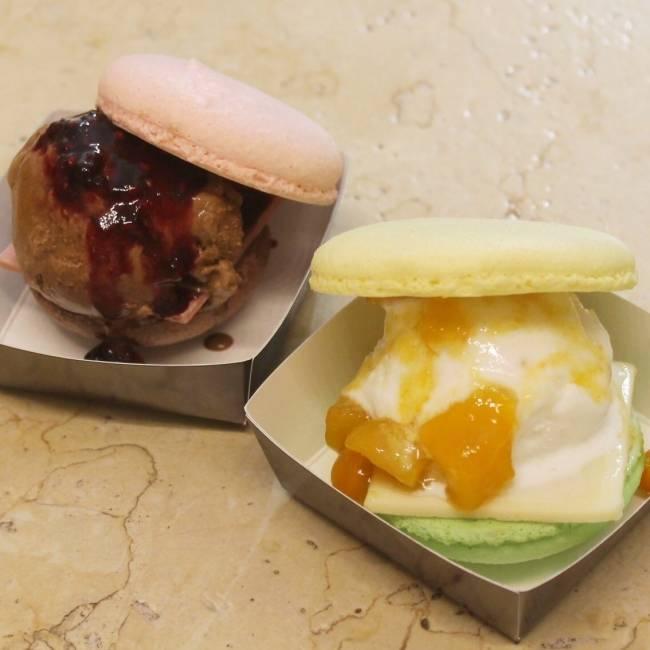「PAWE ARUCHIZAN」巧克力漢堡(藍莓,芒果各1個)各594日圓