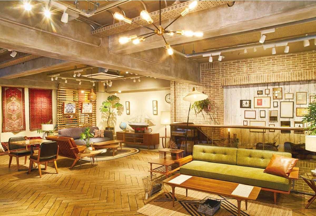 店內商品主要可分為選自美國的復古家具、職人手作的訂製家具和重現20 世紀美國 氛圍的原創商品3 大主題。