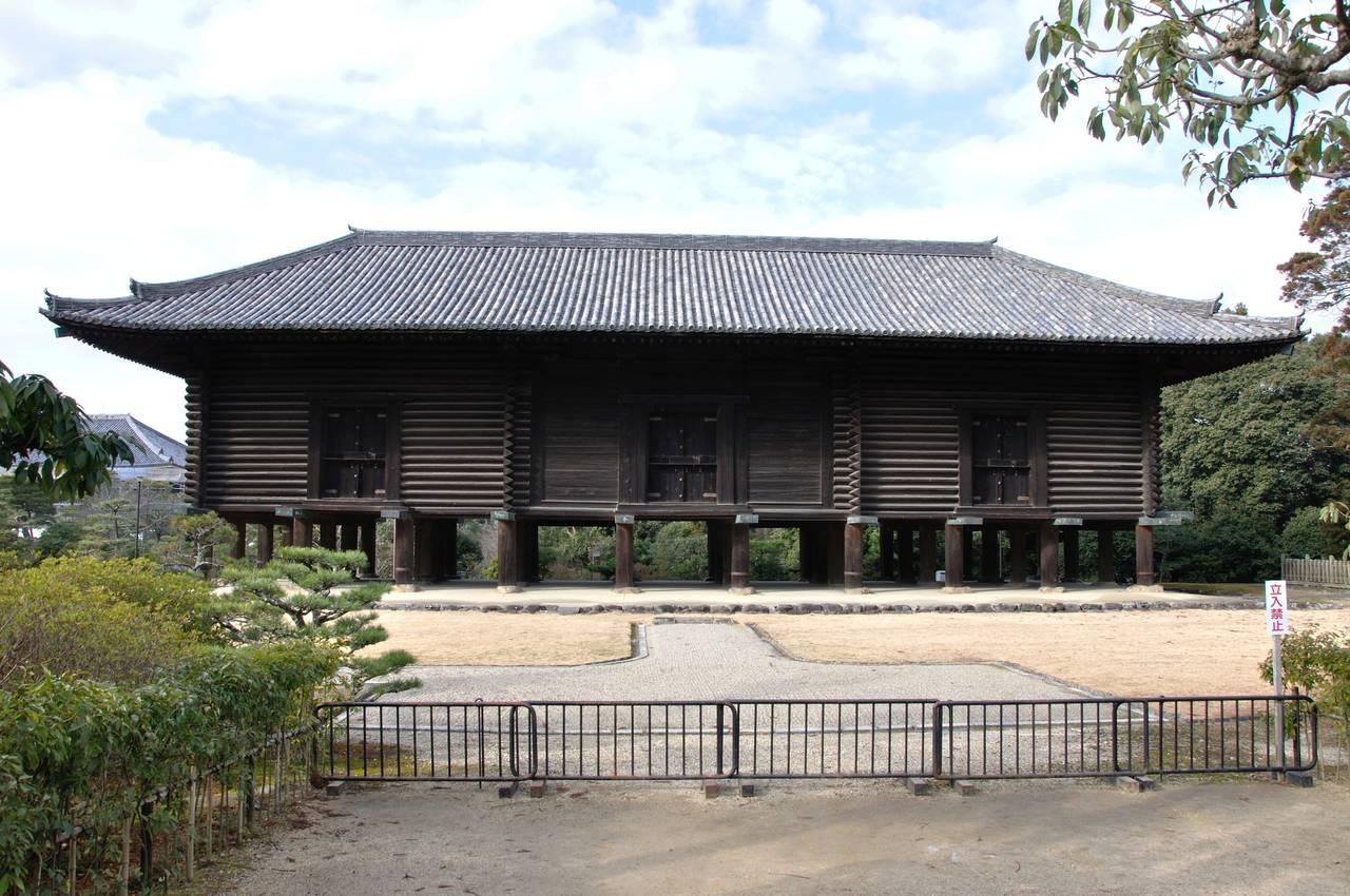 東大寺的正倉院正倉(寶庫)。