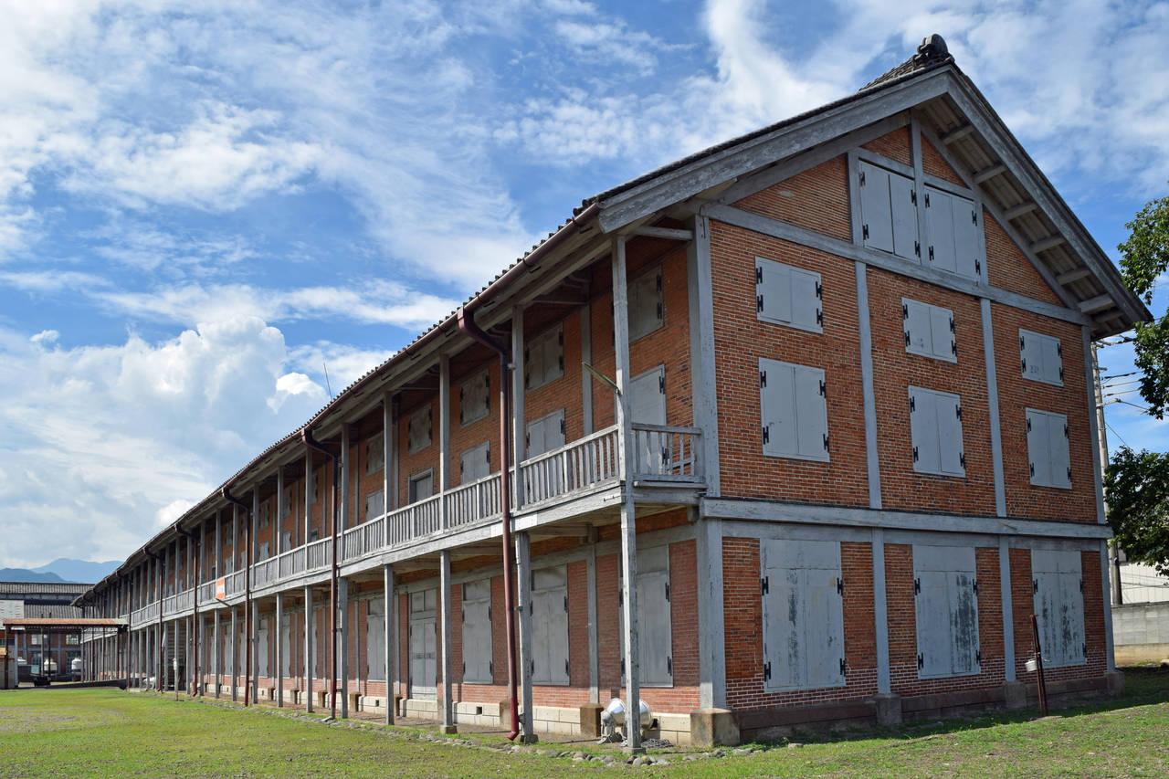 西側蠶繭倉庫。