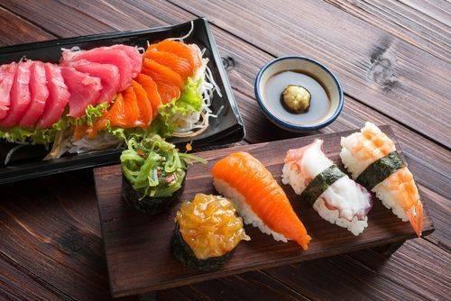 上=生魚片/下=壽司
