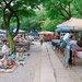 ◆外國旅客慕名而來!「護國寺骨董市集」