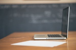 【先生方の座談会】取り組みを振り返って見えてきた、オンライン教育の課題と未来。学校、家庭はどうSHIFTしていくのか?(最終回)