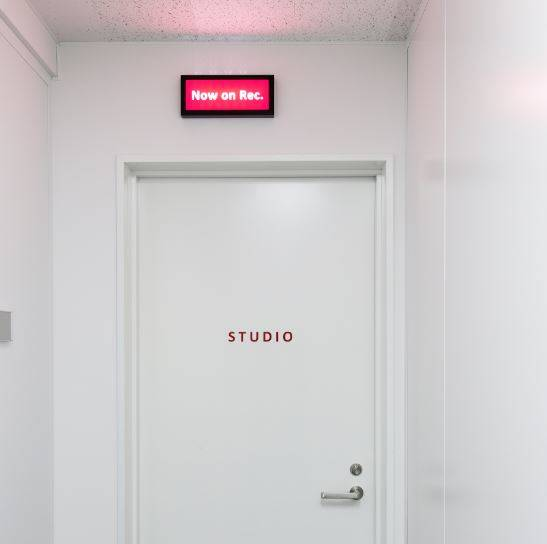 さまざまな撮影に対応できる専用スタジオがオープン!