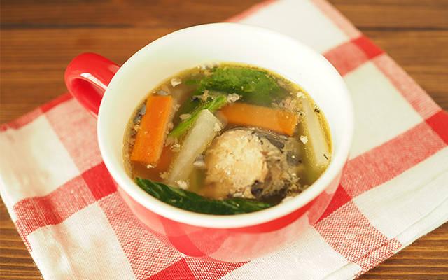 サバ缶でつくる生姜あったかスープ