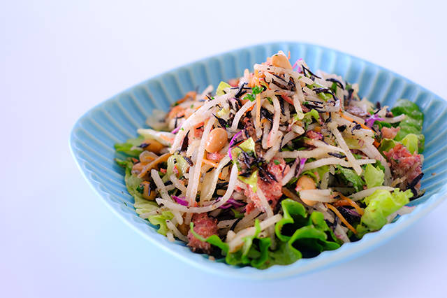 ひじき大根とコンビーフのサラダ