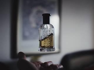おすすめメンズ香水ランキング【2018年版】女性ウケする付け方も紹介