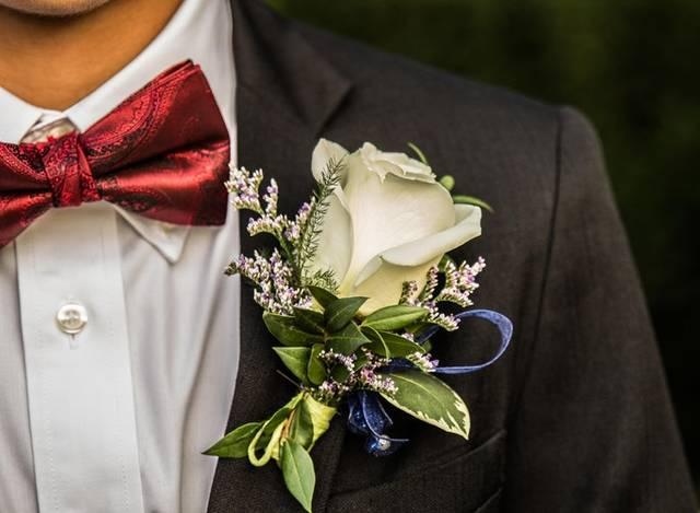 今時の結婚式フォーマルスーツとは?おしゃれな着こなし術も紹介