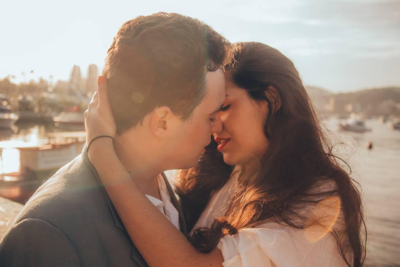彼女と「キスしたい」時にするべき6つのこと