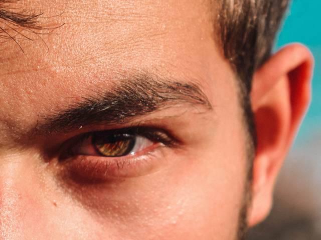 メンズ眉毛の整え方!眉ケア初心者でもイケメンは作れる