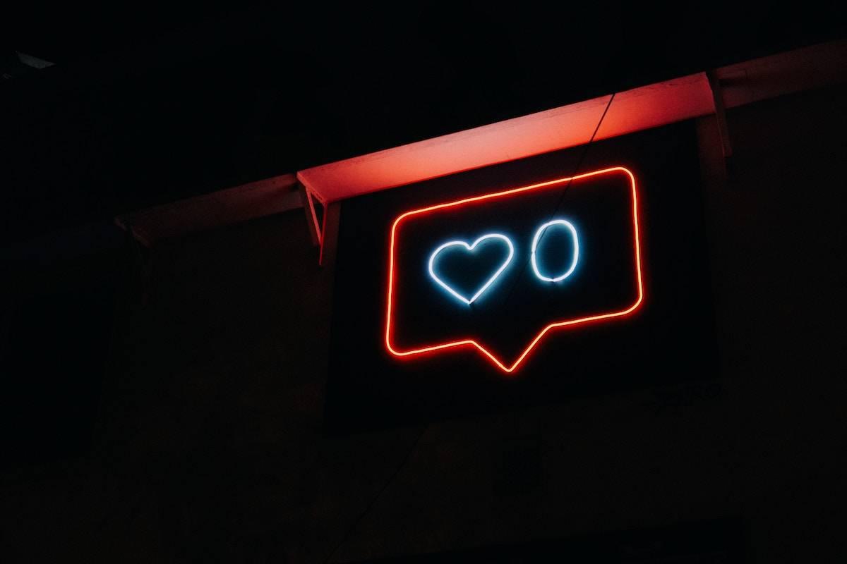頼れる人生の先輩。恋愛に悩んだら参考にしたい人気ツイッターアカウント
