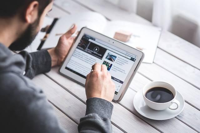 Man Reading Touchscreen - Free photo on Pixabay (2096)