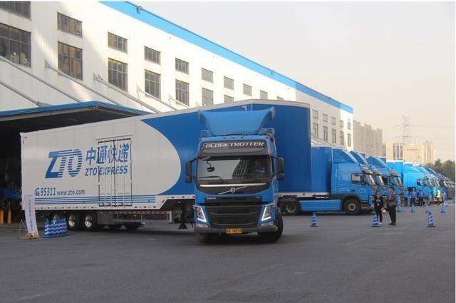 中通快逓(ZTOエクスプレス)の半自動運転トラック
