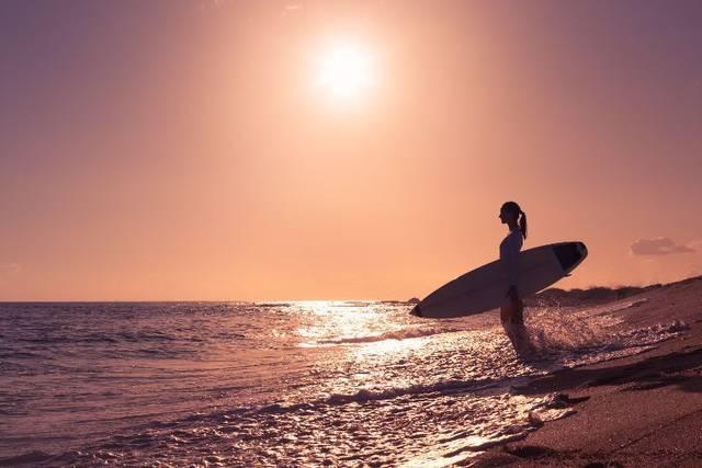 「自分らしさを忘れない」元世界チャンピオン女性サーファーの苦境と栄光