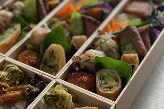 "CREATOR'S EYE 第20回 料理人・山本千織が見つけた、""制約""を楽しむ食と暮らし"