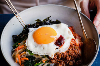 """ソウルの地下食堂で円熟する、真の""""ソウル・フード""""―旅する料理人とおいしい話 vol.7"""