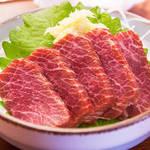 高品位な健康食!古くより親しまれる郷土料理の「馬刺し」及び「馬肉食材」を本場熊本より直送