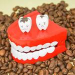 コーヒー好き必見! 歯の黄ばみ予防&白い歯を取り戻すには?