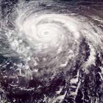 続く台風シーズン! 防災用品、そんな装備で大丈夫か?