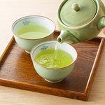 緑茶は新型コロナウイルスに効く?【デマに踊らされないための基礎知識】