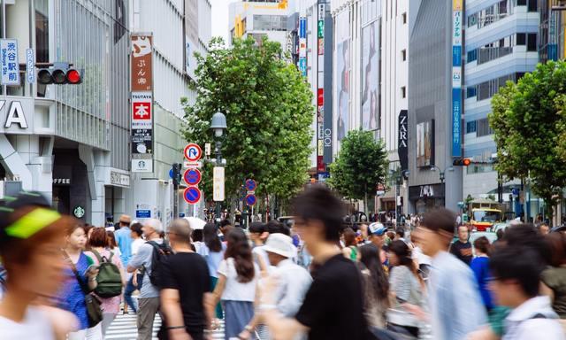 人混みでごった返す渋谷駅前スクランブル フリー写真素材・無料ダウンロード-ぱくたそ (1096)