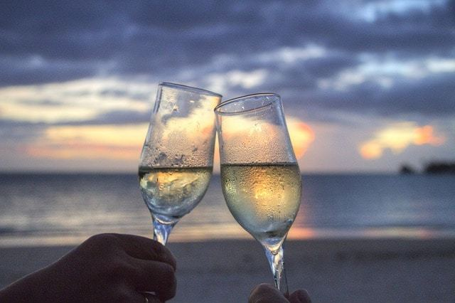 Free photo: Glasses, Sparkling Wine, Cheers - Free Image on Pixabay - 213156 (801)