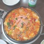 体の芯から温まろう!冬におすすめの韓国鍋料理「プデチゲ」♡
