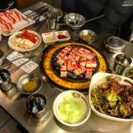 お肉を食べるならココで決まり!「신마포갈매기(新麻浦カルメギ)」のサムギョプサル♡