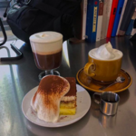 """""""ティラミスカステラ""""という発想が素晴らしい!弘大のカフェ「모파상(モパサン)」♡"""
