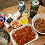 深夜にお腹が空いたらやっぱりこれ!韓国人に人気の「夜食メニュー」といえば??✩