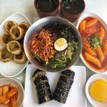 つるっとした麺と甘辛いタレが癖になる!「チョルミョンが美味しいソウルの店BEST⑤」☆