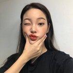 カラオケに行く前に練習しておきたい!韓国女子たちがカラオケで歌う人気曲♡