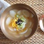 2020年は韓国のお雑煮でスタートを!お正月に食べたい「トックスープ」レシピ♡