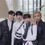 夢の共演☆ビジュアルと実力が最高なK-POPアイドル00lineの4人♡