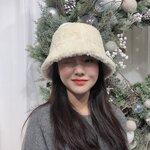 いつもの冬コーデにメリハリを!お洒落な「キャップ」で韓国風コーデ!ෆ