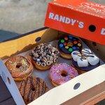 行列が絶えない話題のお店!ドーナツチェーン店「RANDY'S DONUTS」に行きたい!♪