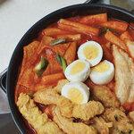 動画を観て満足!食べて満足!韓国人のソウルフード【トッポッキ】特集⸝⋆