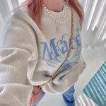 """韓国最新トレンドファッションアイテム!""""一枚で映える""""【ロゴニット】に注目⸝⋆"""