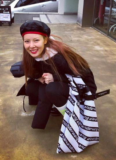https://www.instagram.com/hyunah_aa/ (17676)