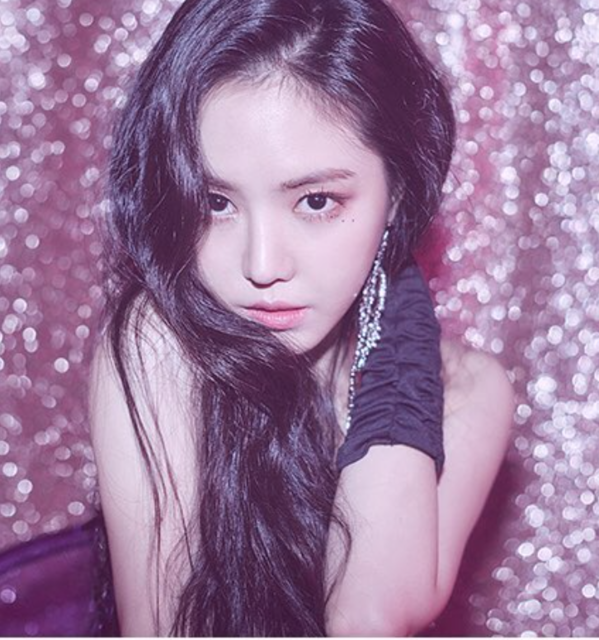 "Apink on Instagram: ""[#에이핑크] 2019 Apink Season's Greeting💎 [Eternal Jewels] NAEUN Teaser#Apink #NAEUN #나은@marcellasne_"" (30182)"