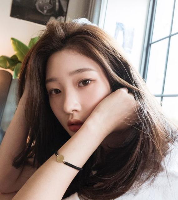 Instagram post by 정채연 • Jun 12, 2018 at 2:13am UTC (34564)