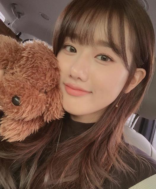 """April Naeun 🖤💙💜 on Instagram: """"🌬🌬"""" (34566)"""