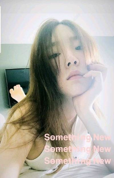"""[Selfie ★] """"비주얼이 청초하다""""…태연, 한밤의 일상 :: 네이버 TV연예 (63424)"""