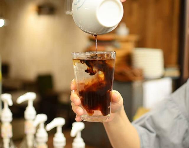 "shin.koyama on Instagram: ""今日もオープンしてます☕️連休中日、のんびりおまちしてます😊️ #名古屋カフェ #久屋大通カフェ #愛知カフェ #アメリカーノ"" (74645)"
